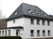 Steildach - Wohn- Geschäftshaus