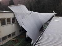 Sturmschaden an einer Industriehalle